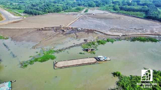 UBND quận 2 đang tiến hành san lắp mặt bằng một số khu vực